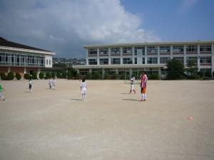 小学生のサッカーのコーチもしています