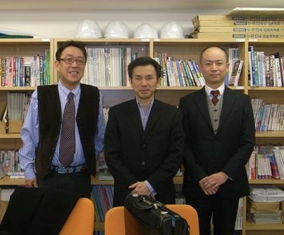 左から自分、菊池氏、佐伯君
